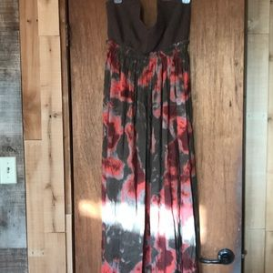 Maxi dress with crochet top